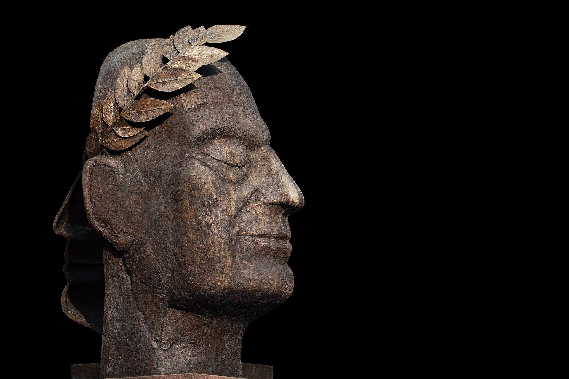 sculpture-3357150_1920